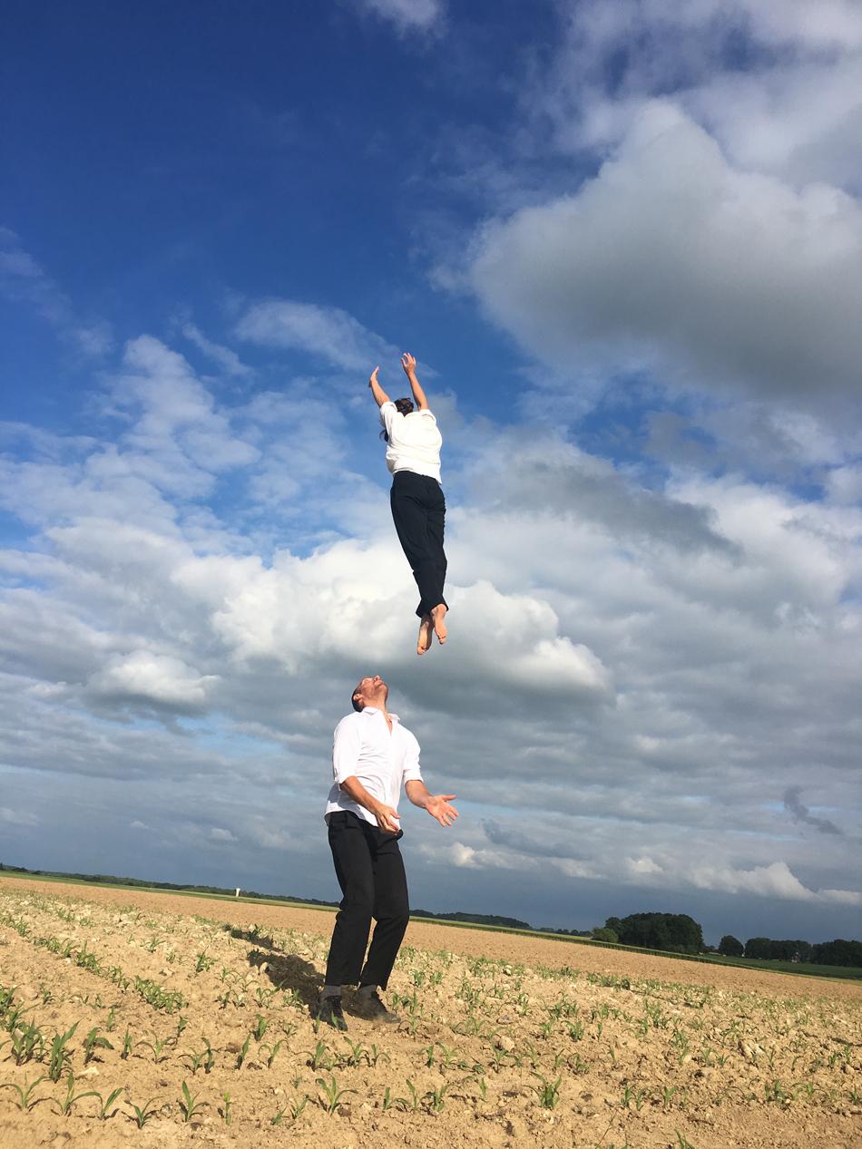 Florence Caillon - L'Éolienne Cirque Chorégraphié @ Blacourt - Place